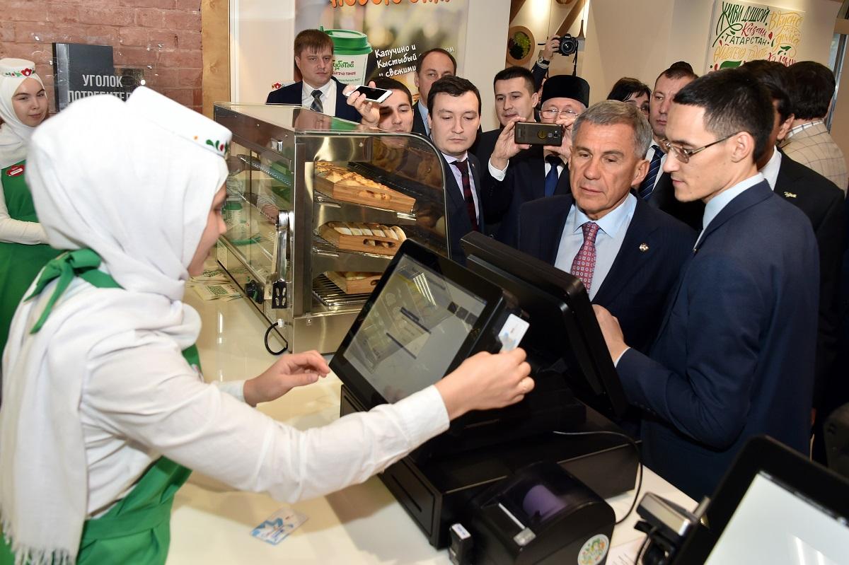 «Мыего поддерживаем, будем работать». Минниханов высказался овыдвижении В.Путина