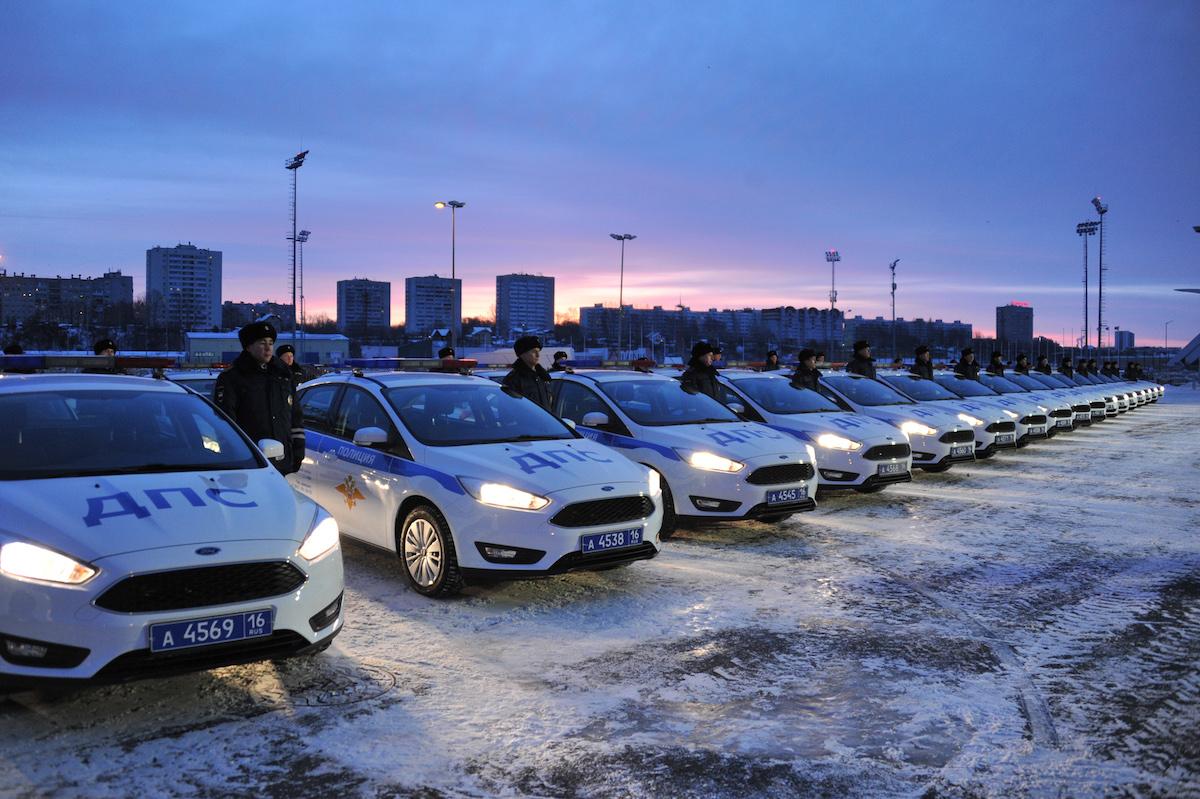 Минниханов и Хохорин вручили Госавтоинспекции РТ 50 автомобилей