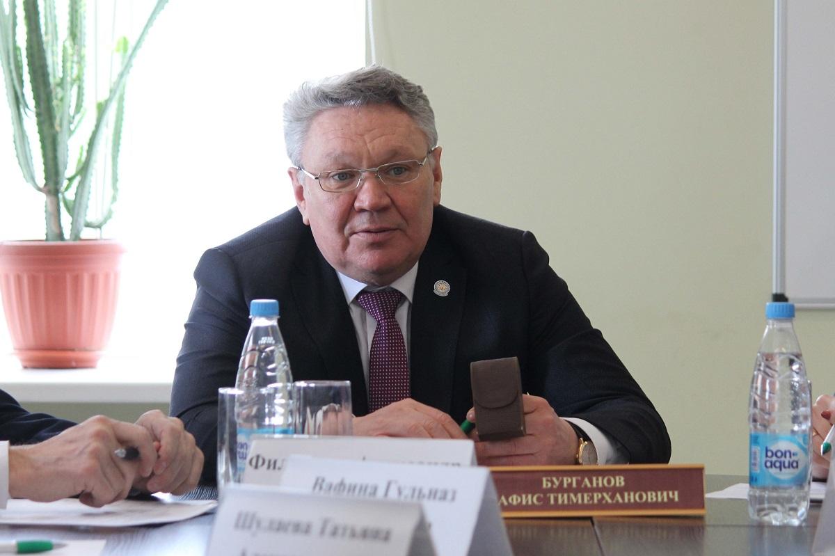Вшколах Татарстана планируют запретить ученикам использовать мобильные телефоны