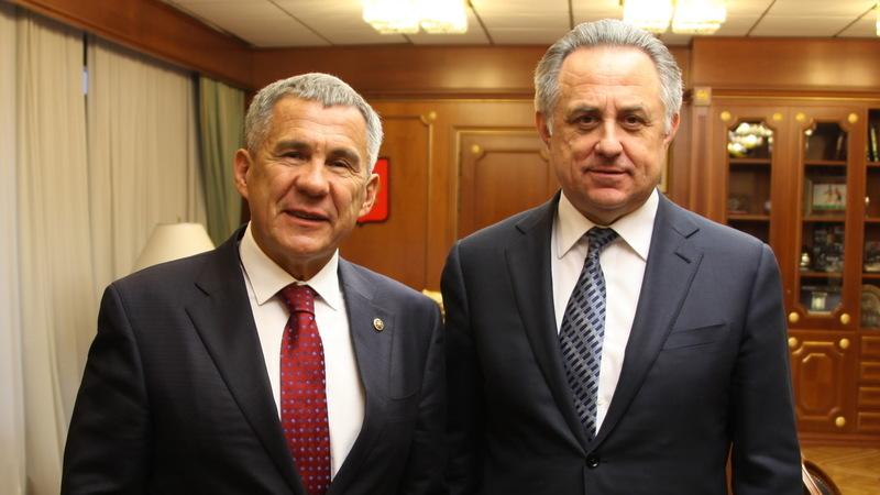 Президент Татарстана Рустам Минниханов и заместитель председателя правительства России Виталий Мутко