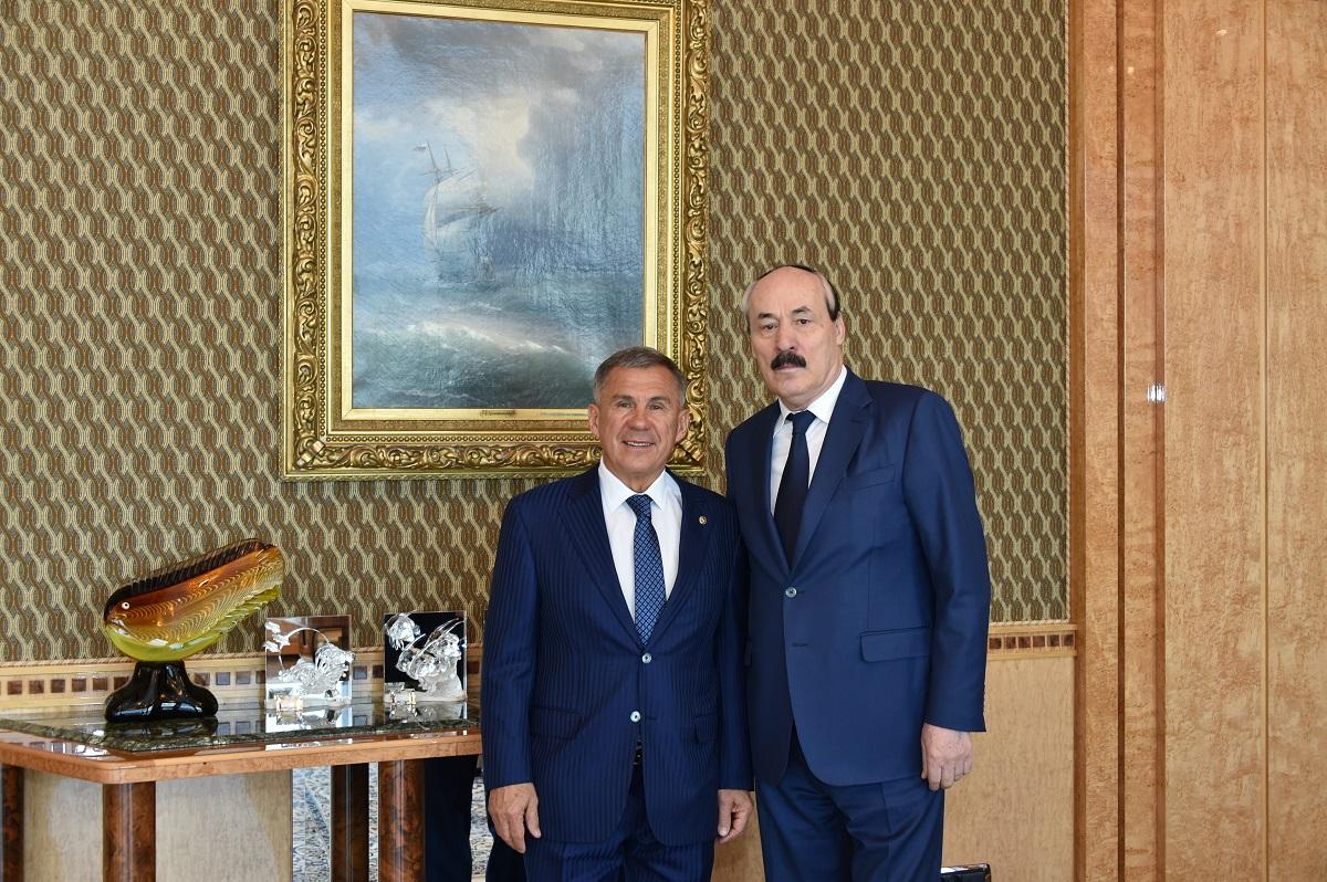 Рамазан Абдулатипов и Рустам Минниханов обсудили перспективы сотрудничества