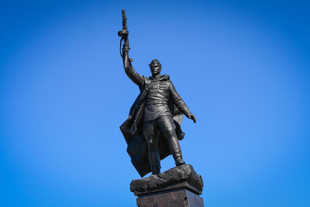 Памятник Советскому солдату в Казани