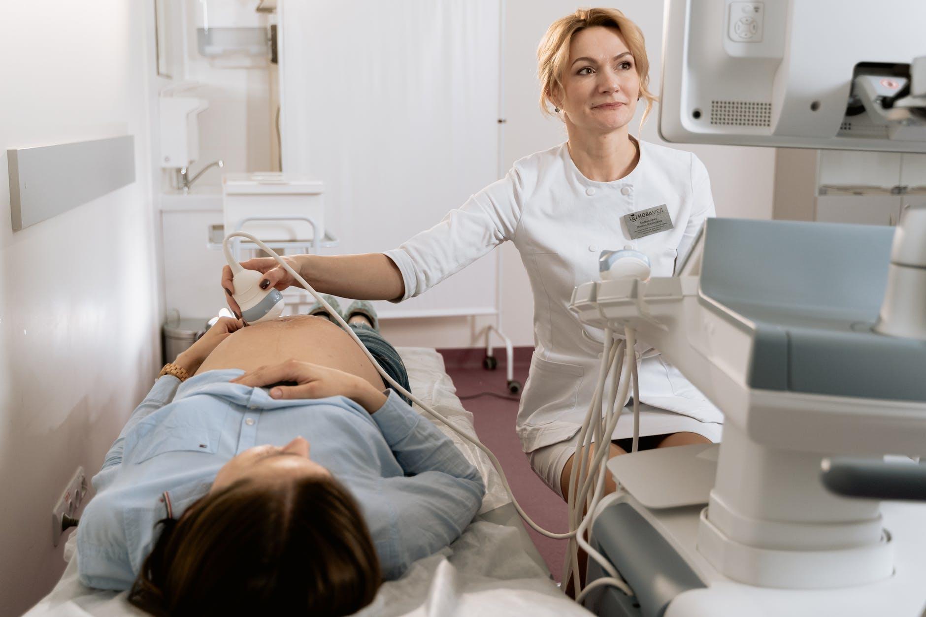 беременная УЗИ врач