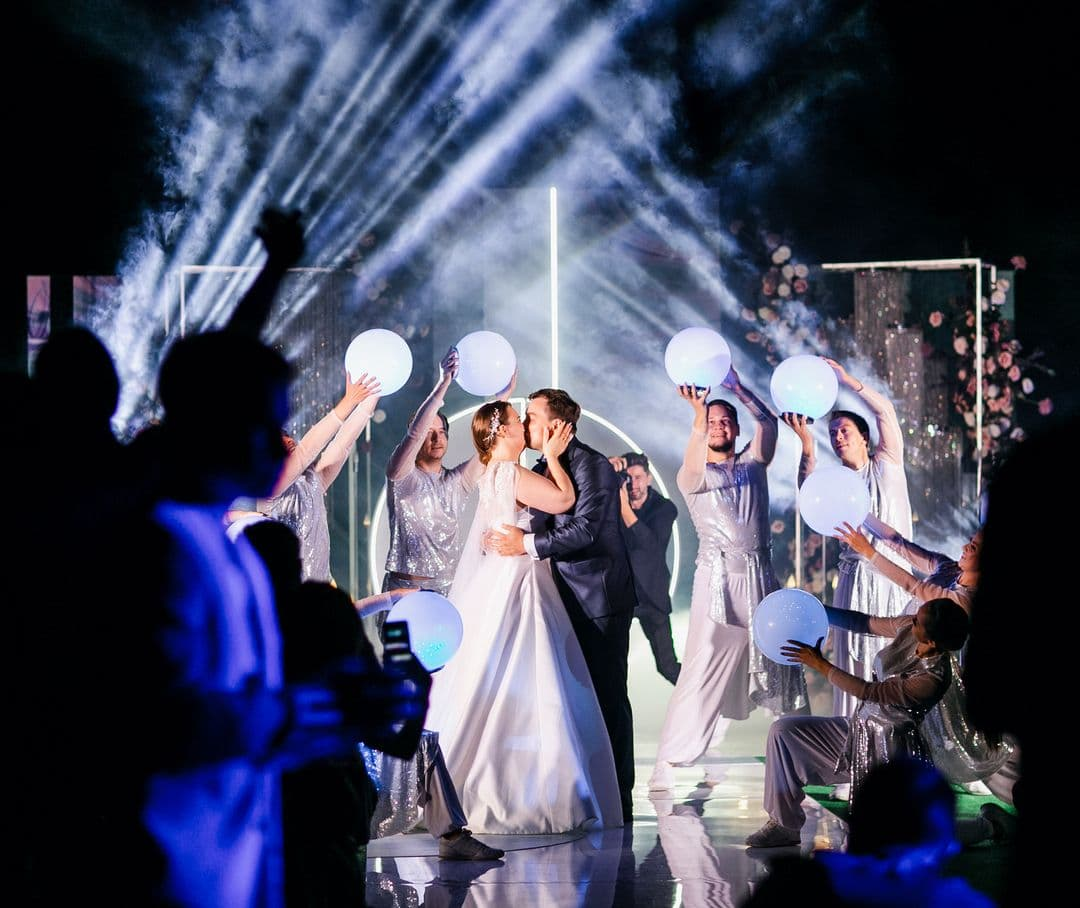 Свадьба свет